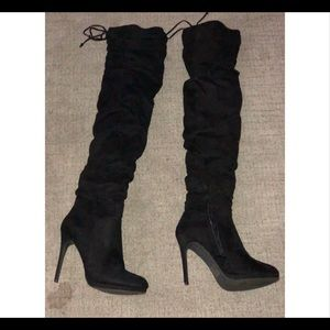 KNEE HIGH SUADE HEEL BOOTS